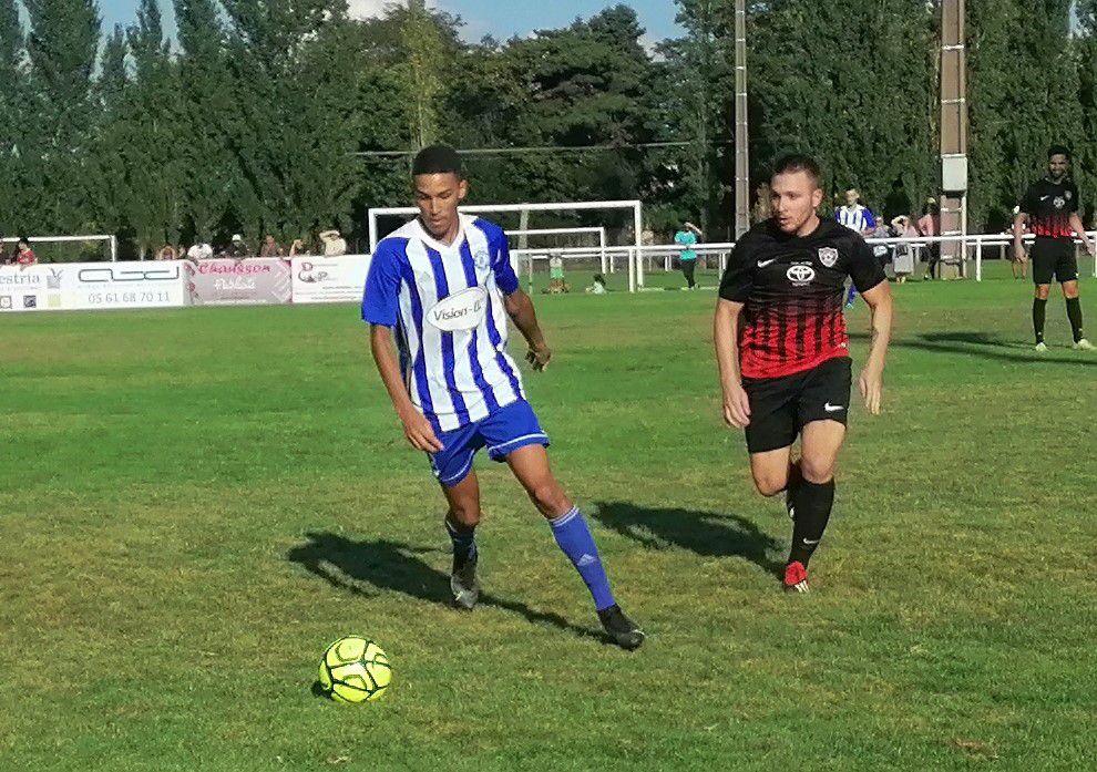 Jérémie De Monte défenseur du FCP technique et rapide balle au pied