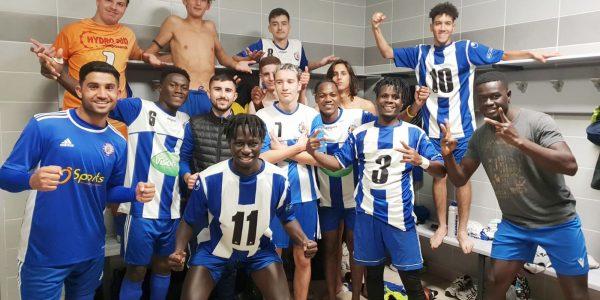 Les vestiaires de l'école de foot étaient en fête, après plusieurs victoires en catégories U20, U17 et U15